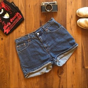Vintage Levi's Mom Jean Shorts - Size 11